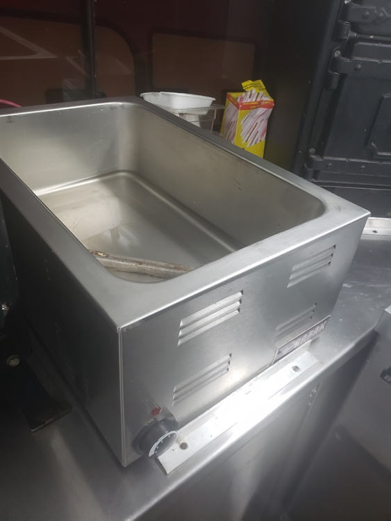 immaculate mobile catering unit - 8