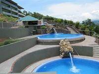 3 Cascading infinity Pools, Rec Center