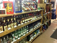 liquor store rooms pub - 3