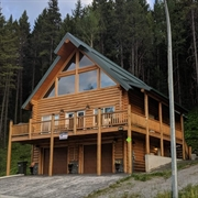 crowsnest vacation rental property - 1