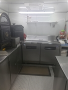 immaculate mobile catering unit - 2