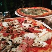 east vancouver pizzeria restaurant - 1